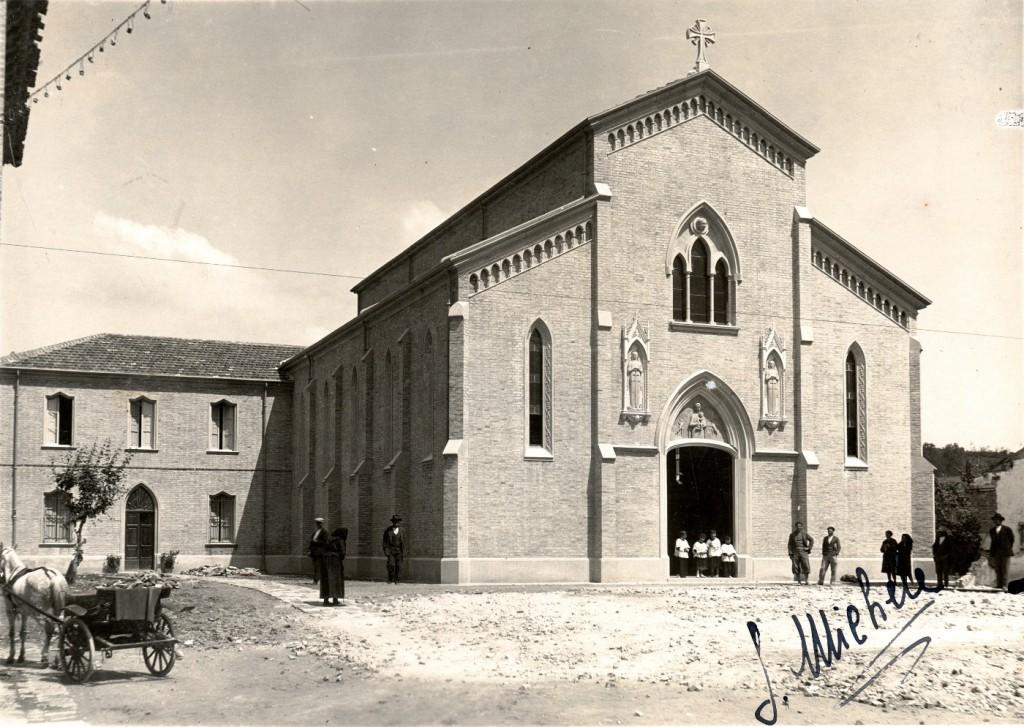 1933 - La nuova chiesa di San Michele fresca di inaugurazione