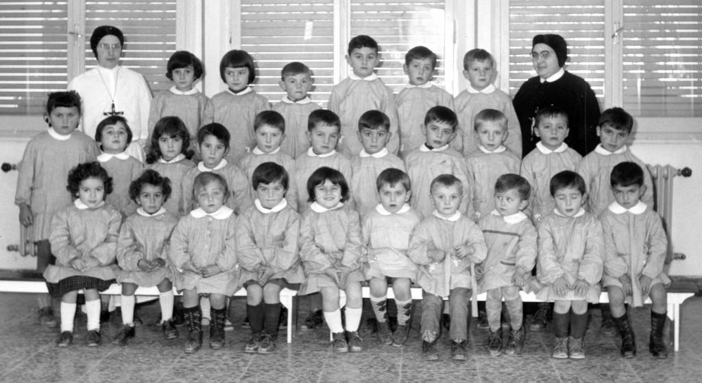 1963 - i bimbi dell'asilo di S. Michele
