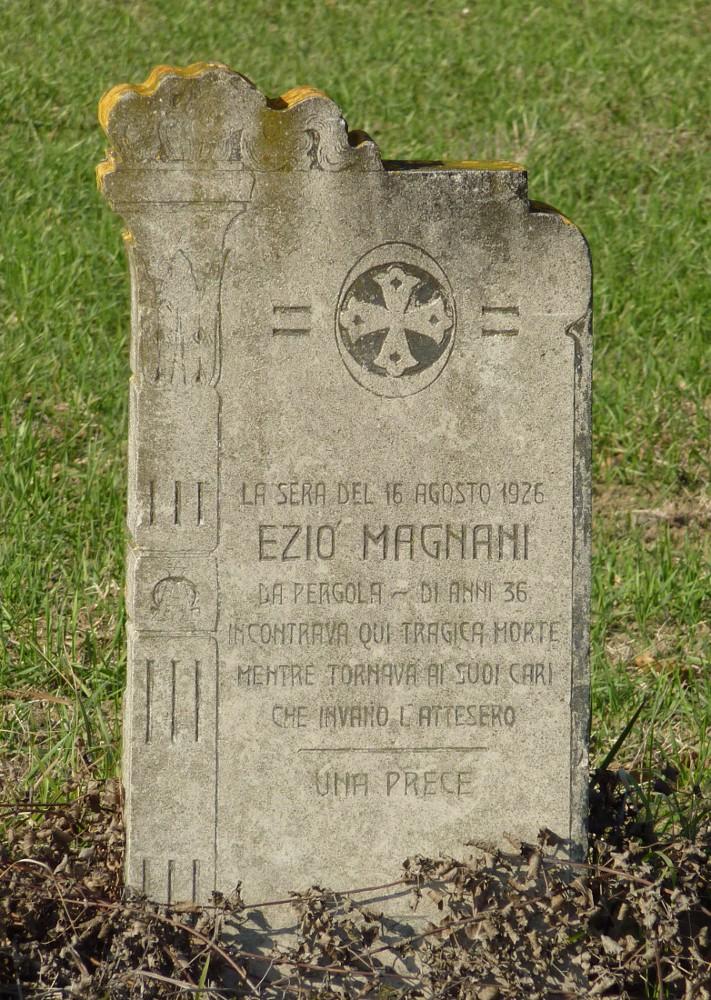 B - Pianaccio - Lapide in memoria di Ezio Magnani