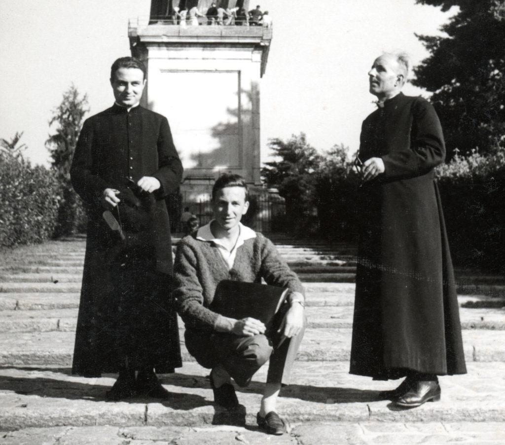 primi anni '60 - don Piergiorgio insieme al parroco di San Michele don Domenico Marini e a Rinaldo Spinaci durante un viaggio a Novara