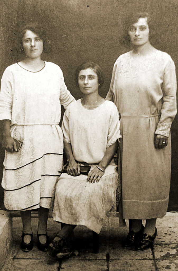 1925 - Le sorelle Teresa, Speranza e Matilde De Angelis