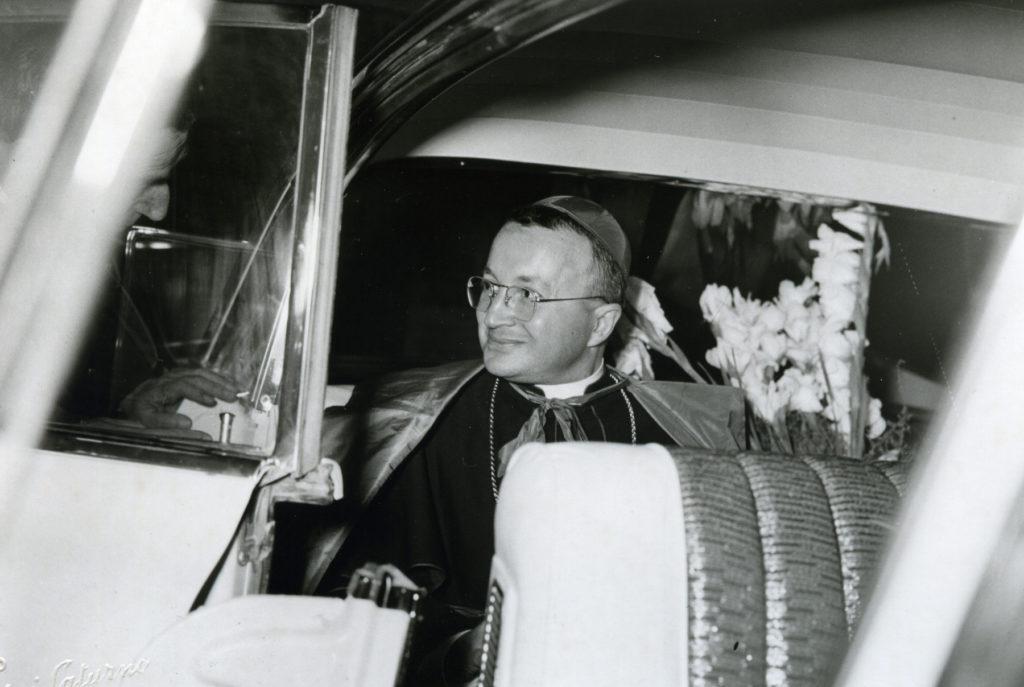 1959 - Il vescovo Costanzo Micci