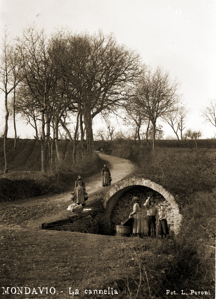 1906 - La fonte Cannella